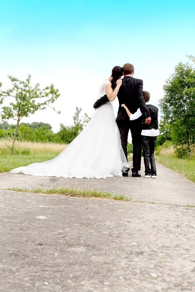 Brautpaar mit Kind