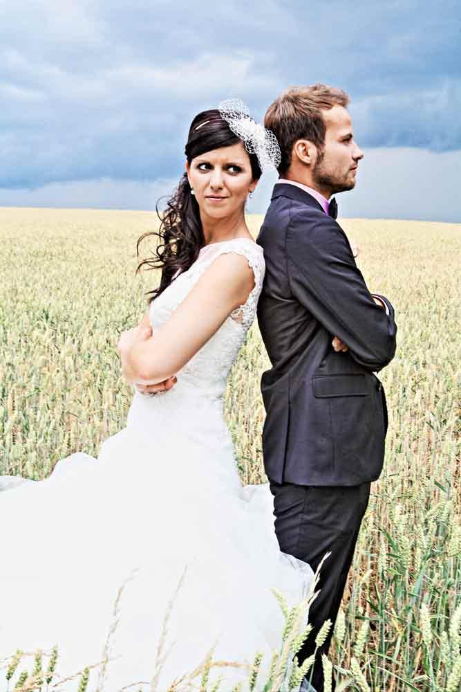 Brautpaar m Weizenfeld