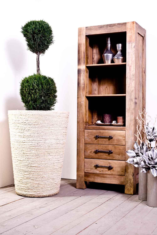 Produktfotografie Kommode und Zimmerpflanze
