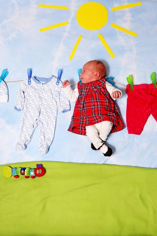 Baby an Wäscheleine, Babyfotos
